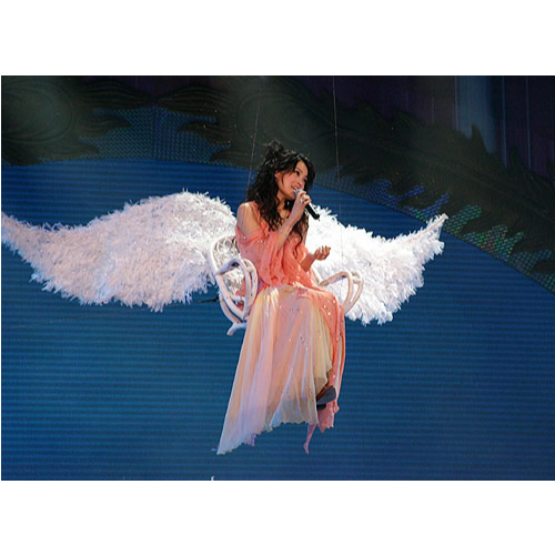 挥着翅膀的女孩(容祖儿)