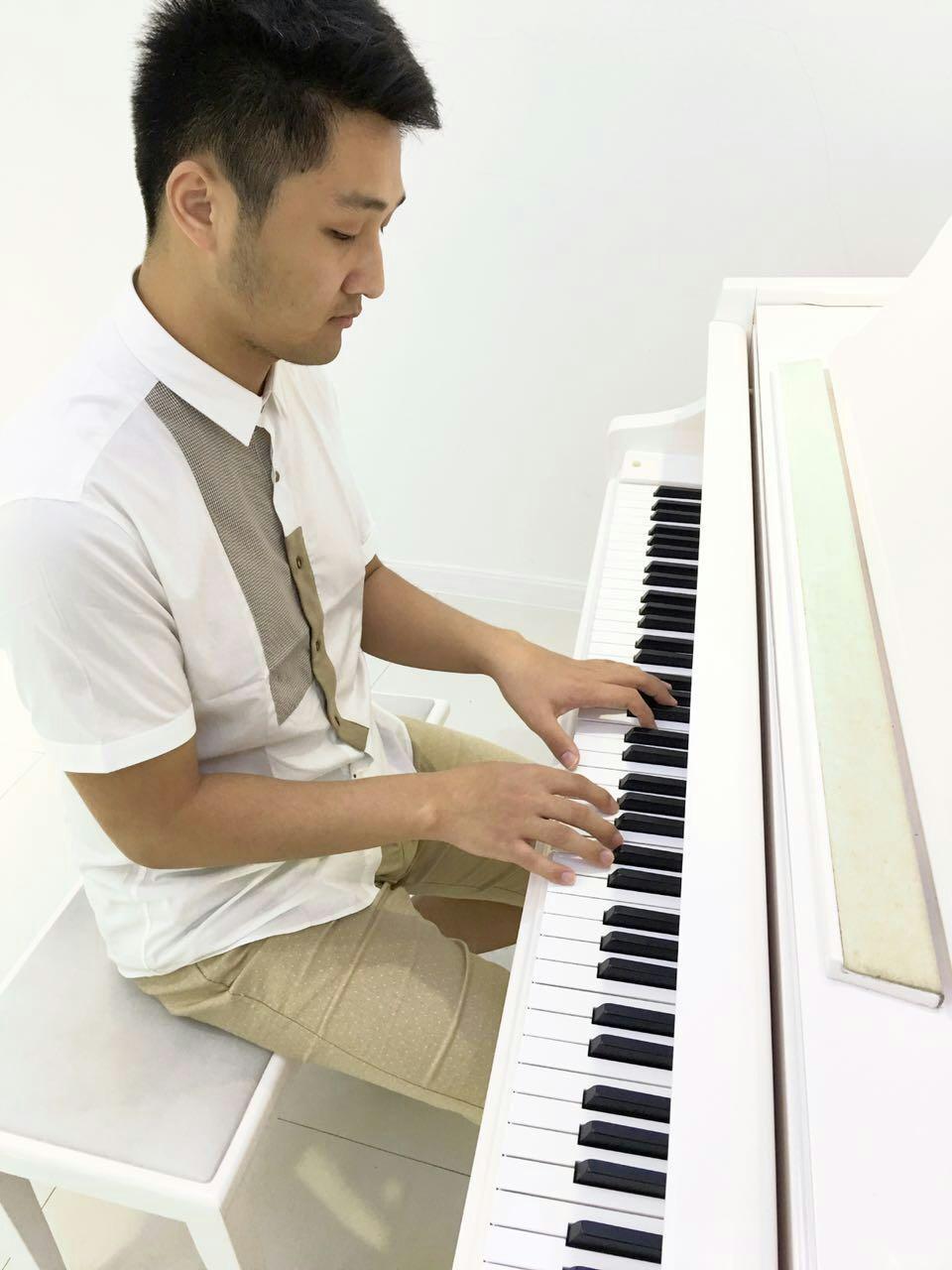 姜创钢琴的个人空间