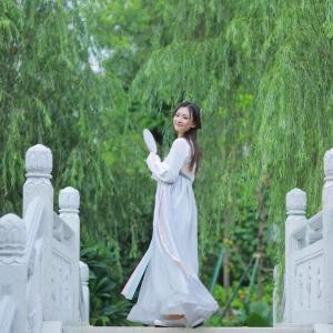 桥边姑娘(原调)-钢琴谱